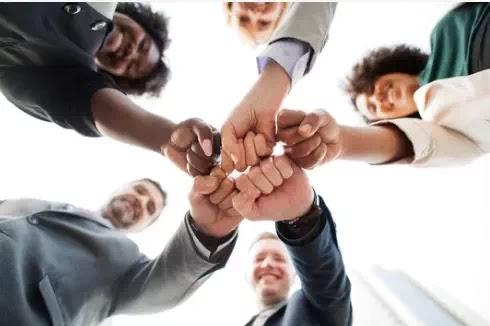 كيف تحافظ على تحفيز فريقك خلال أوقات الأزمة