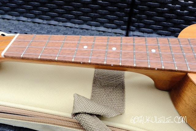 Flight WUS-4 Soprano Ukulele neck