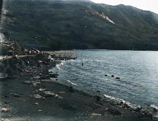 tigaras disisi kiri danau toba