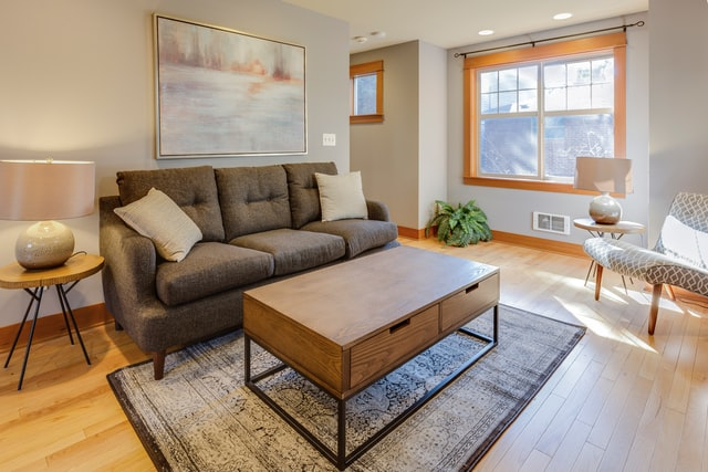 home-staging tips for apartment owners