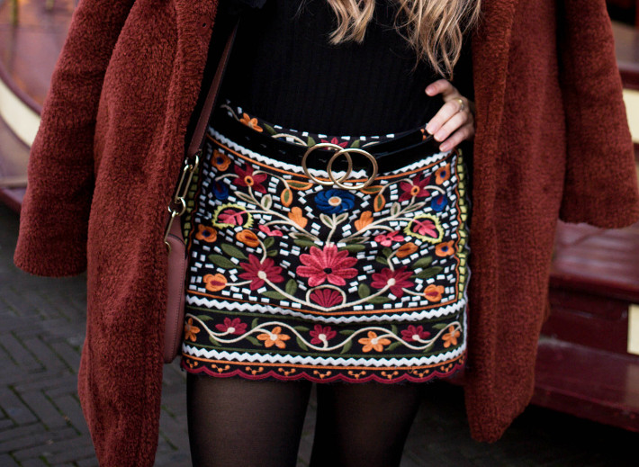 double circle belt, embroidered skirt