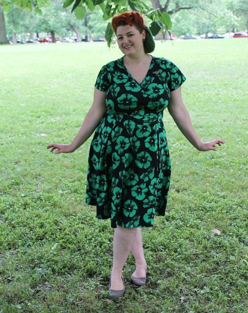 http://www.vavoomvintage.net/2016/06/lady-in-green-estella-dress-from-lady.html