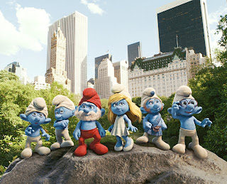 group of smurfs standing together in Central Park The Smurfs 2011 animatedfilmreviews.filminspector.com