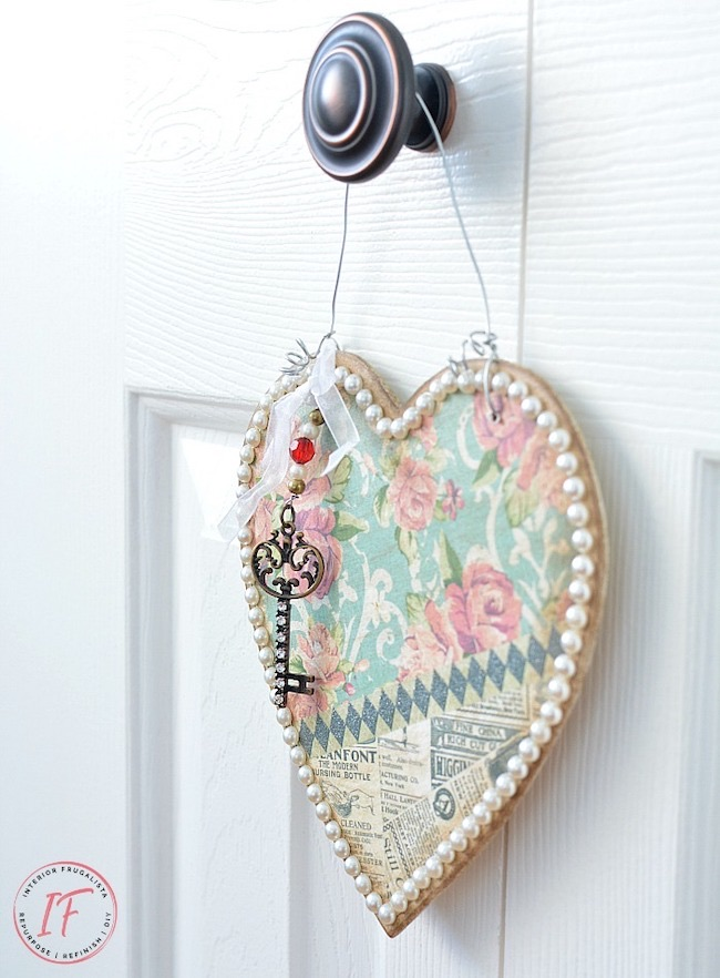 Vintage Style Valentine Door Hanger by Interior Frugalista featured at Pieced Pastimes
