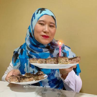 MUNCHY'S CHOCOLATE CHEESEKUT CAKE WITH  MUNCHY'S CRACKERS PLUS HIGH PROTIEN CHIA SEEDS