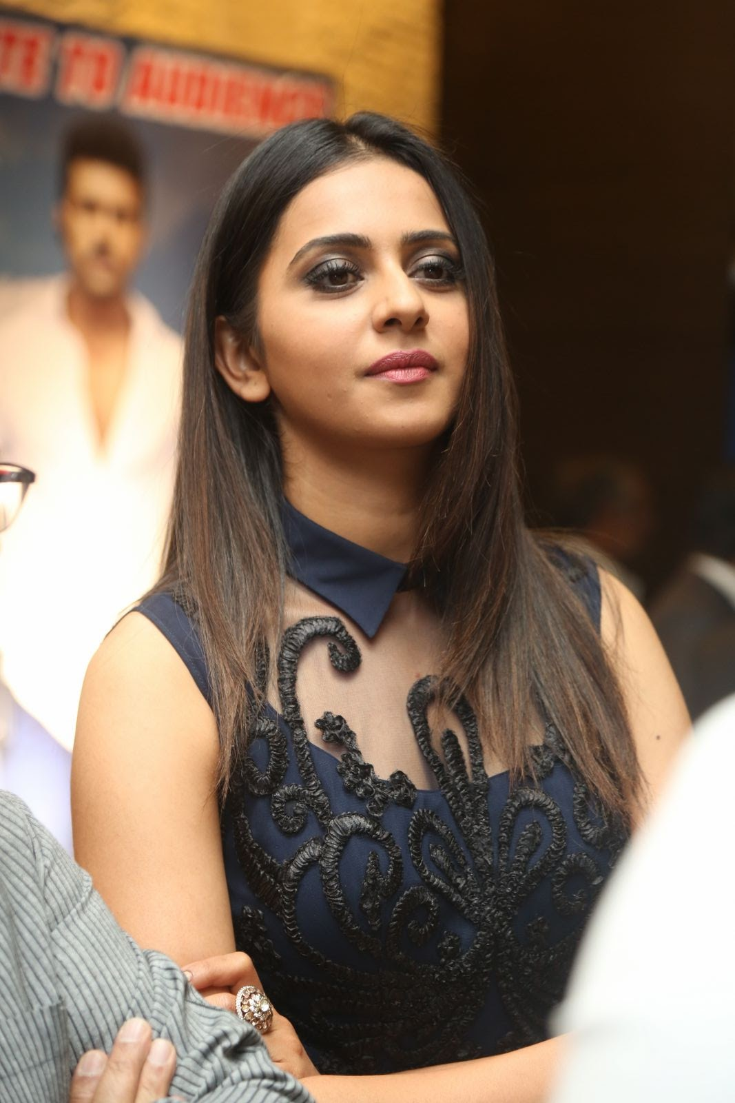 rakul preet singh latest sizzling photos-HQ-Photo-9