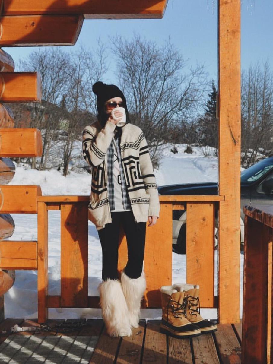 cozy winter outfit apres ski
