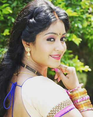 Bhojpuri Actress Subhi Sharma Upcoming Movies List 2016, 2017, 2018, poster trailer, Subhi Sharma on Mt Wiki. wikipedia, koimoi, imdb, facebook, twitter news, photos, poster, actress updates of Tanushree