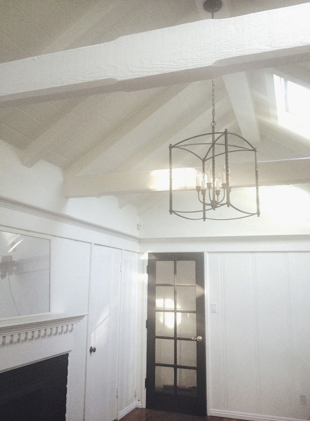 Rosa Beltran Design: EXPOSED WOOD BEAMS AND WHITE PAINTED ...