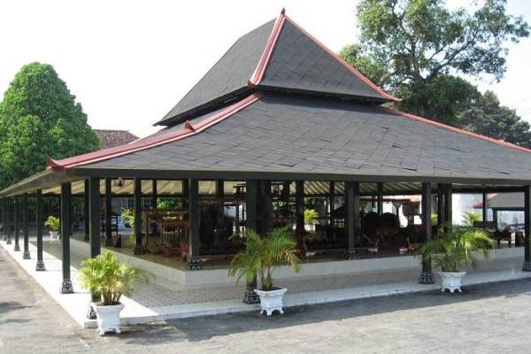 Rumah Bangsal kencono dari Daerah istimewa Yogyakarta