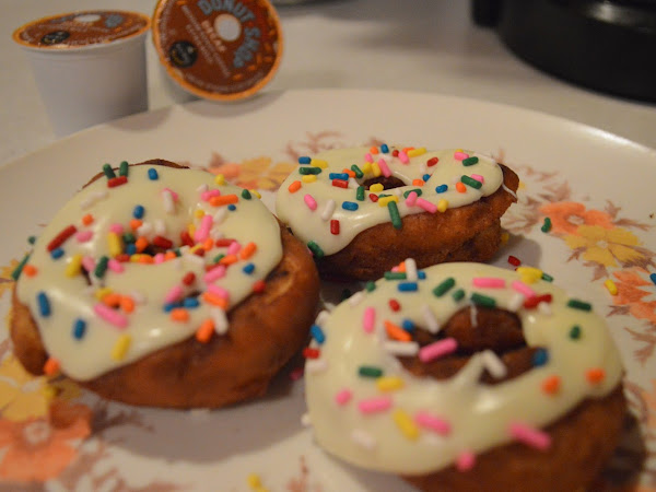 Random Food - Cinnamon Roll Donuts!