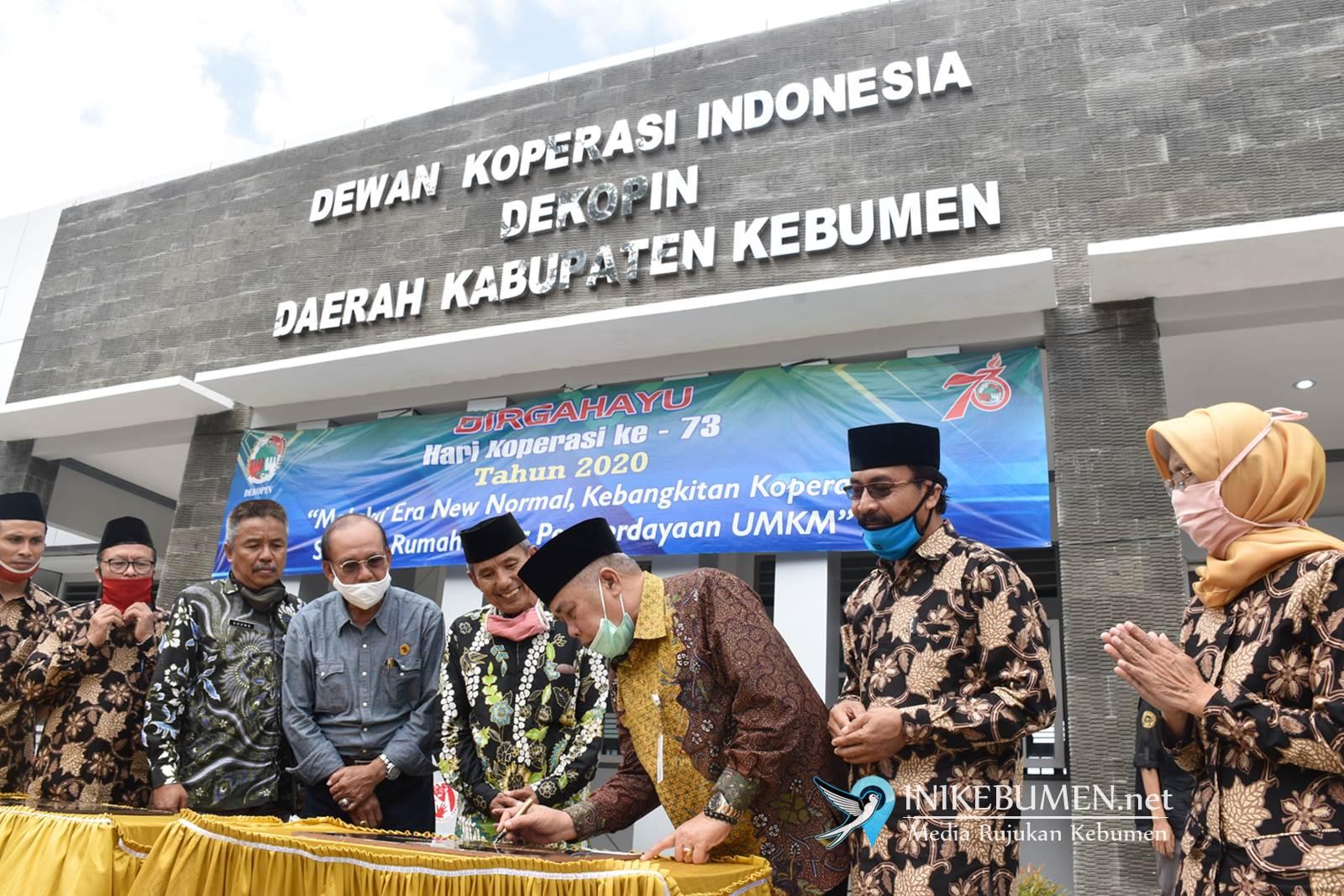 Resmikan Gedung Dekopinda, Gus Yazid  Dorong Digitalisasi Koperasi di Kebumen
