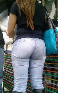 Señora buen trasero pantalones mezclilla