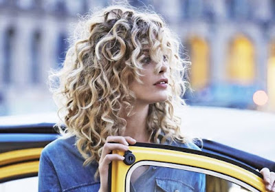 Curly Hair : The Curly Girly Fashion