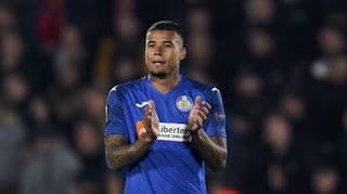 Chelsea attacker Kenedy is in talks with Granada.