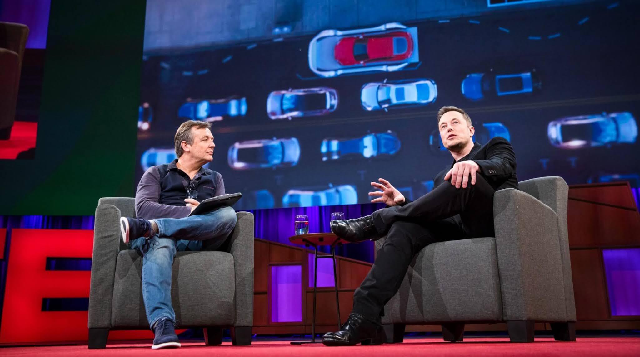 Elon Musk charlando