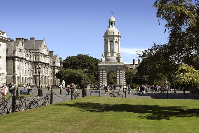 Passeio romântico por Trinity College, Dublin