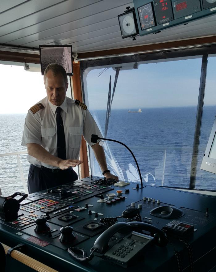Baltic Princessin kapteeni Juha Rossi - www.ladyofthemess.fi