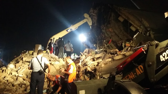 Evakuasi Korban Pesawat Hercules Masi Berlanjut Malam Ini