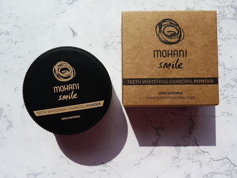 Mohani Smile - Teeth Whitening Charcoal Powder (Proszek wybielający do zębów z aktywnym węglem)