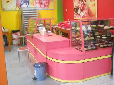 Etalase Display Makanan Dan Minuman + Furniture Semarang