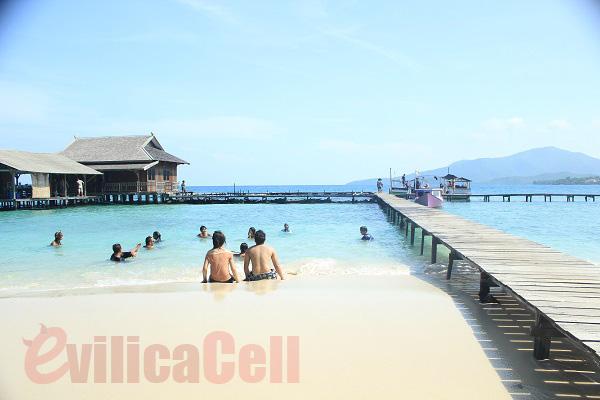 Pantai Karimunjawa -Jawa Tengah