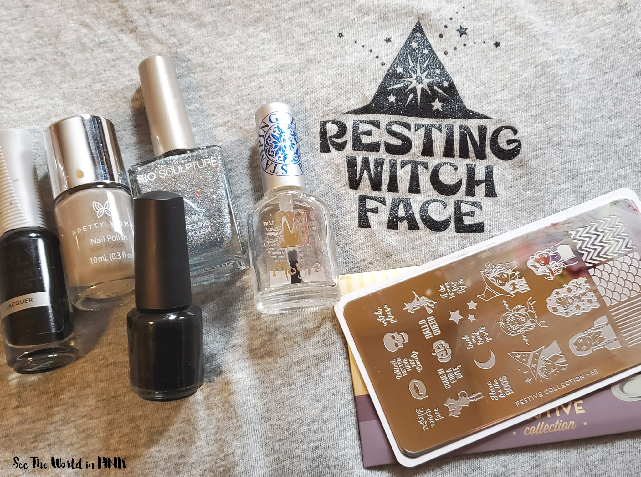 Manicure Monday - Witch Hat Nails