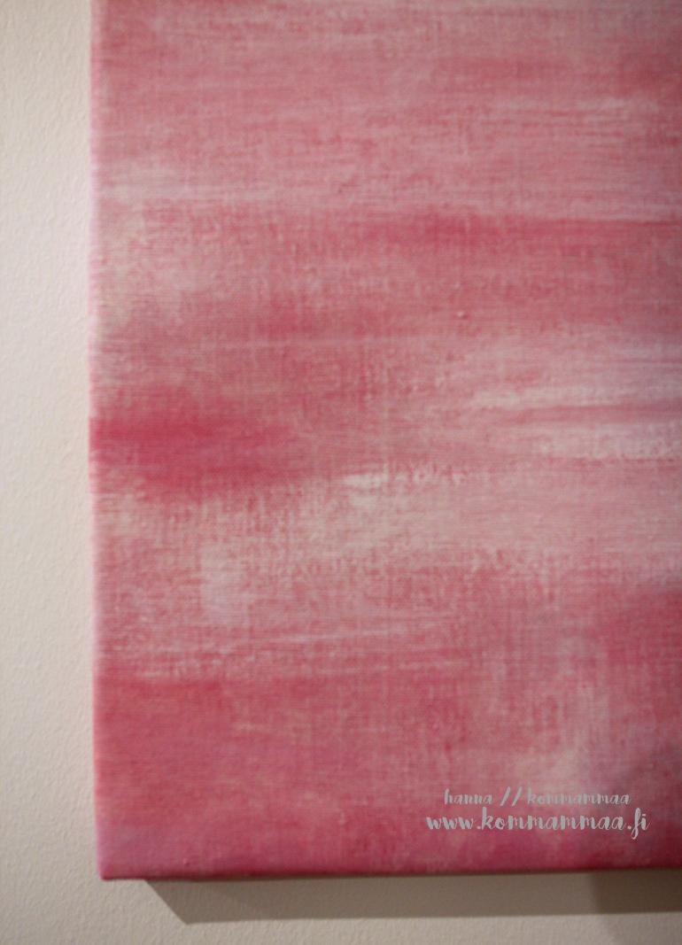 vaaleanpunainen taulu