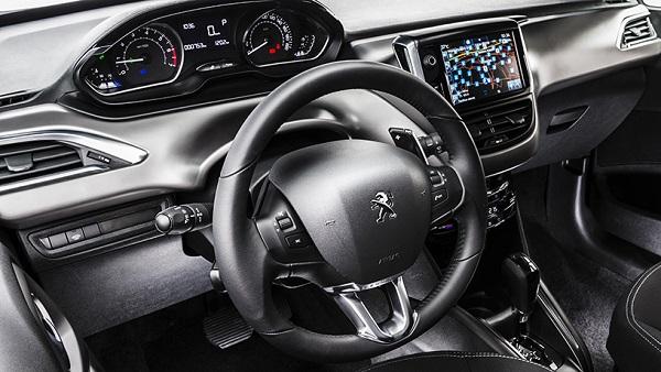 interior Peugeot 208 2016