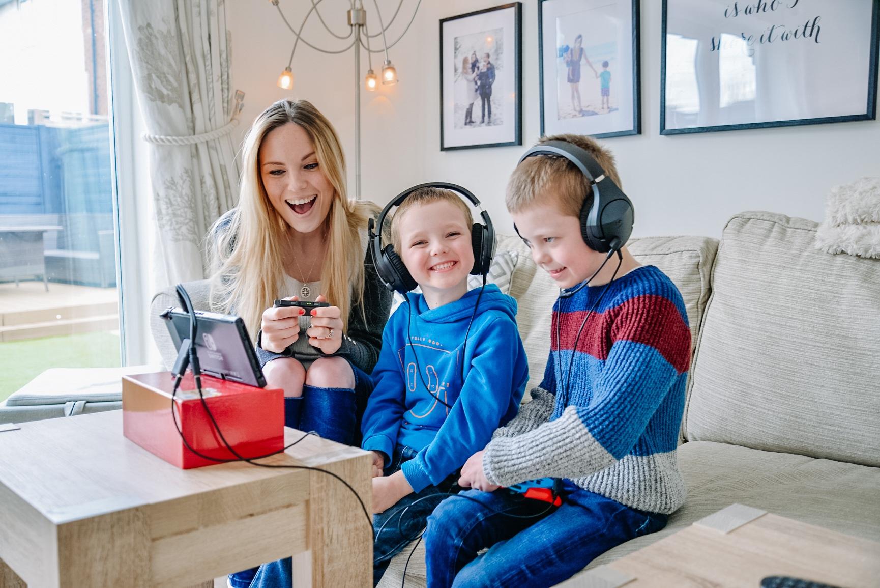 hyper x, hyper x headset review, girl gamer, wow girl gamer,