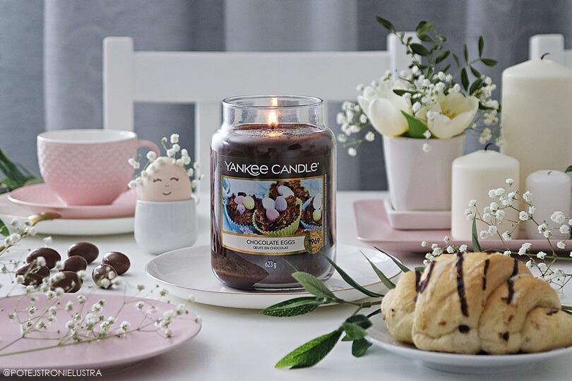 dekoracja stołu na wielkanoc ze świecą yankee candle chocolate eggs