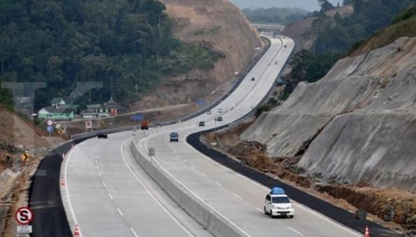Ternyata Jalan tol Jakarta-Surabaya di prediksi beroperasi pada lebaran 2018