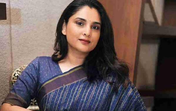 bharat-ra-6-glamorous-mahila-raajneta