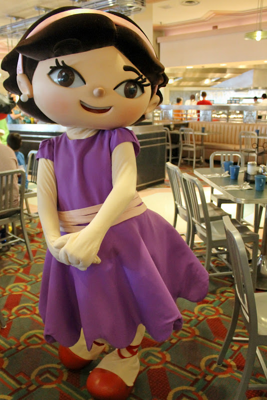 Play At American Girl: Unofficial Disney Character Hunting Guide: Dining With
