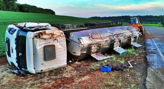 Caminhão carregado de leite tomba entre Nova Cantu e Campina da Lagoa