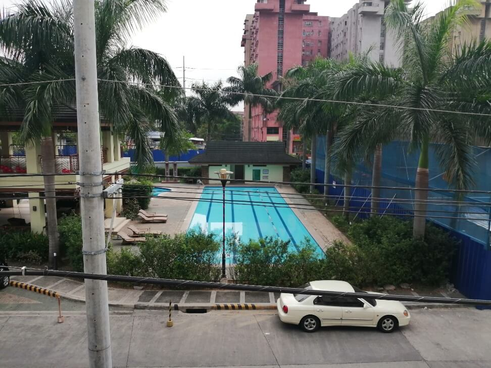 Huawei Y9 2019 Main Camera Sample - Outdoor, Pool with AI