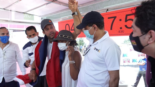 Esperan veredicto de Guinness sobre récord de Carlos Silver