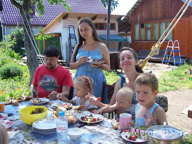 Греческий салат с детьми