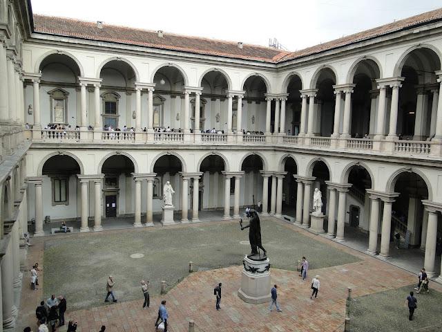 Pátio interno da Pinacoteca de Brera