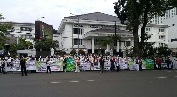 Tuntut Pengembalian Aset SBL, Ratusan Jamaah Gelar Aksi Damai