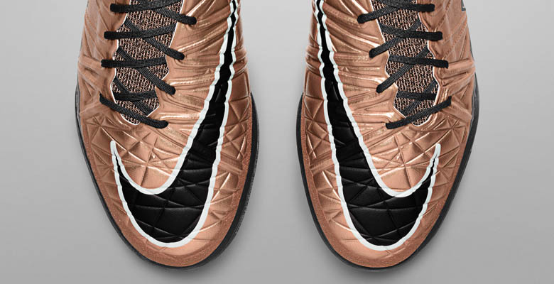 watch 258fb a64c0 The new Metallic Red Bronze Nike Hypervenom X Proximo 2015-2016 Boots  introduce a fresh design for Nike s cutting-edge indoor, street and turf  soccer shoe, ...
