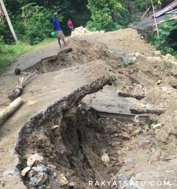 Astaga! Longsor Akibatkan Jalan Utama di Rantela'bi' Rusak Parah