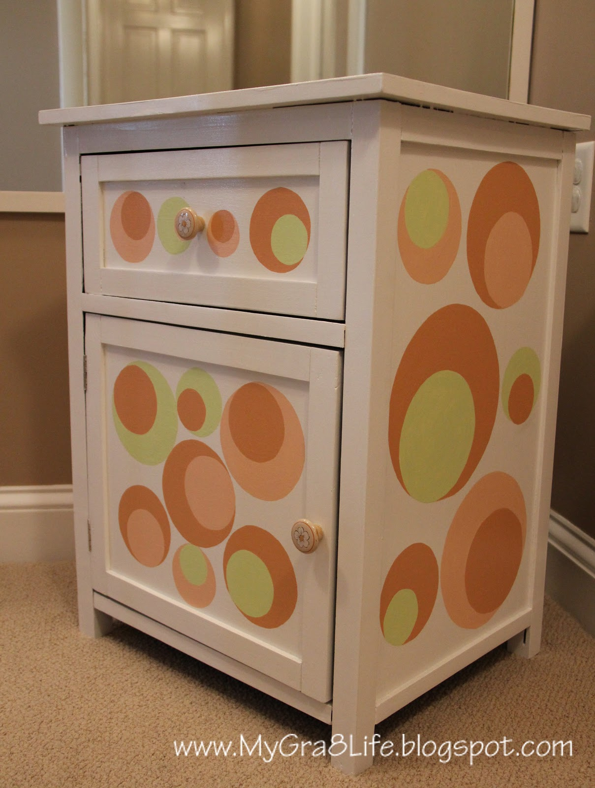 My Gra 8 Life: Painted Furniture - Fun & Classy! - Small Pieces Of Wooden Furniture