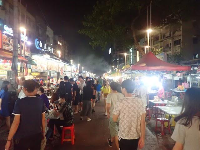 Wisata Kuliner Malam di Jalan Alor Kuala Lumpur