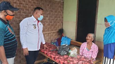Dua Warga di Natar Dapat Program Bedah Rumah dari Bupati Nanang Ermanto