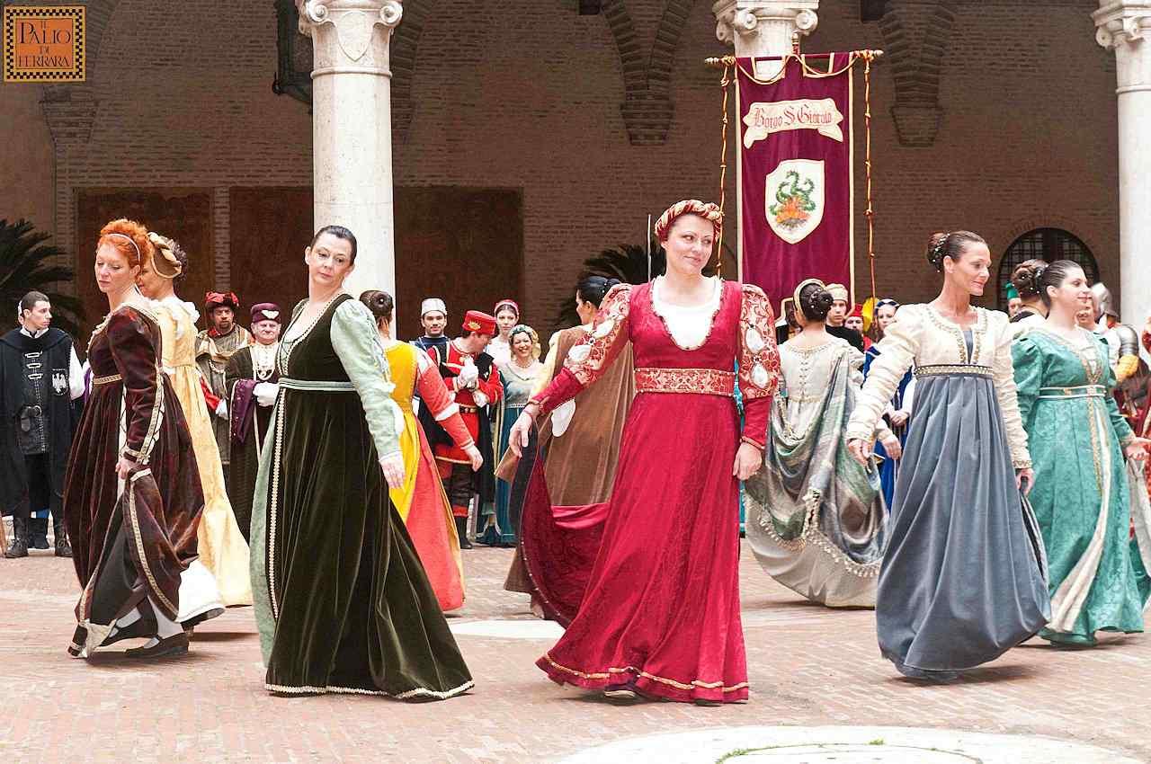 Homenagem da cidade ao duque de Borgo San Giorgio. O relacionamento do povo com as autoridades era de tipo familiar