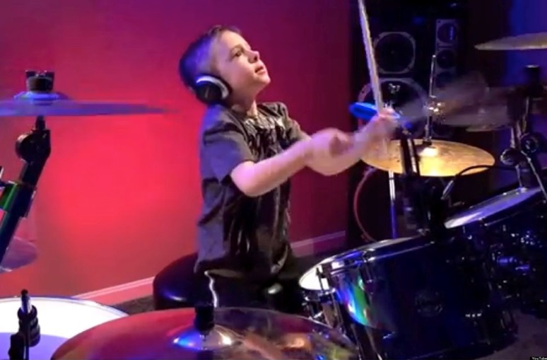 Avery Molek, 6 year old drumming prodigy performs 'Hot For Teacher'