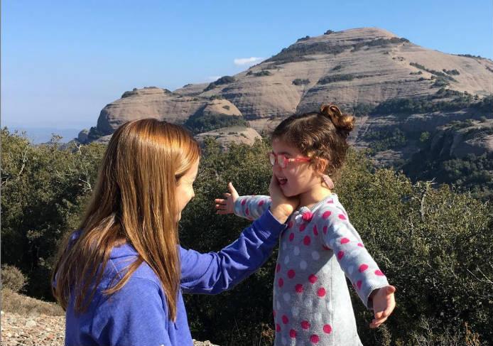 cómo trabajar enseñar asertividad a los niños, dar ejemplo