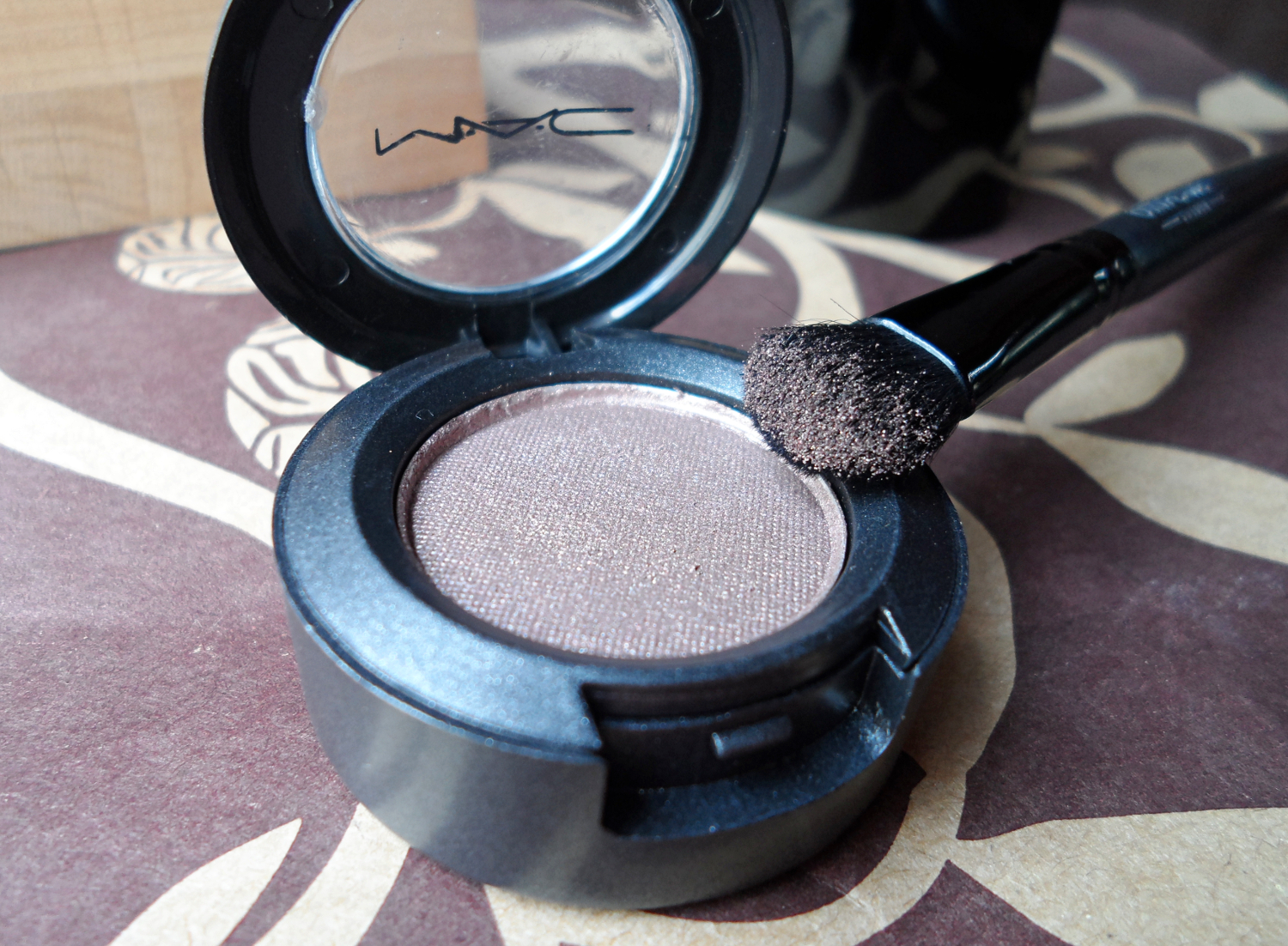 maccosmetics makeup eyeshadows review blogger