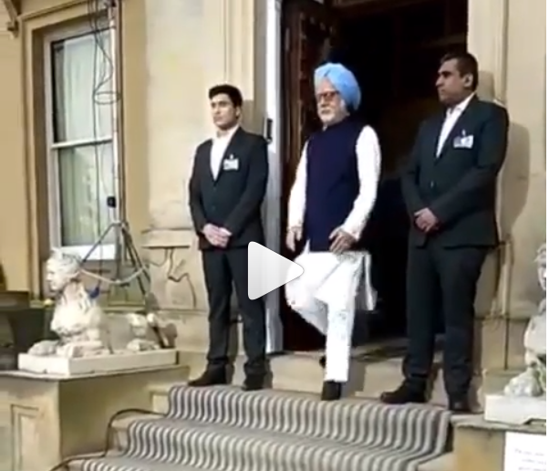 You will amused by seeing How Much Anupam Kher Looks Like Manmohan Singh In This Video